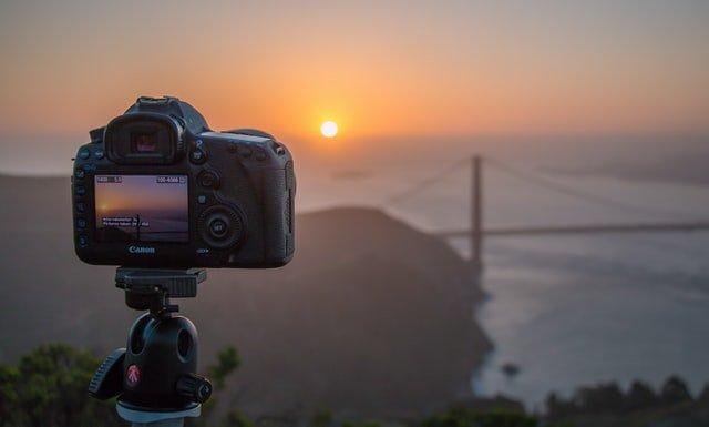 DSLR Camera recording the sunset near the Golden Gate Bridge